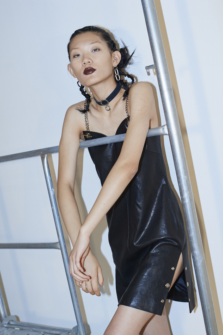 [Runway_Order Made] vegetable leather  cami one-piece slit  back corset chain closure